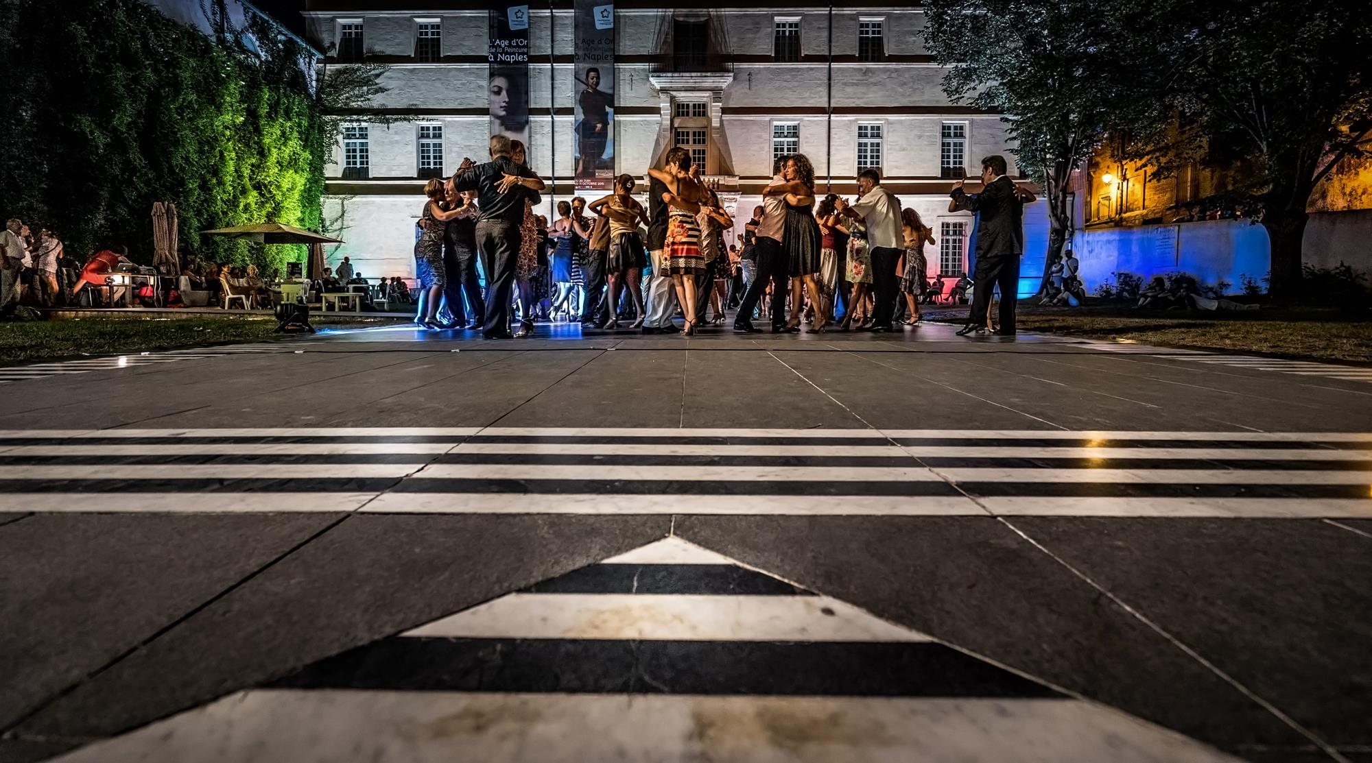 Photo 4 la milonga du musee 2015 pierre doussot el sal n de tango rufino luro cambaceres - Danse de salon montpellier ...