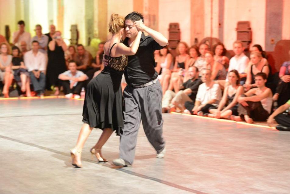 El sal n de tango salle de danse montpellier cole de tango argentin montpellier club de - Danse de salon montpellier ...
