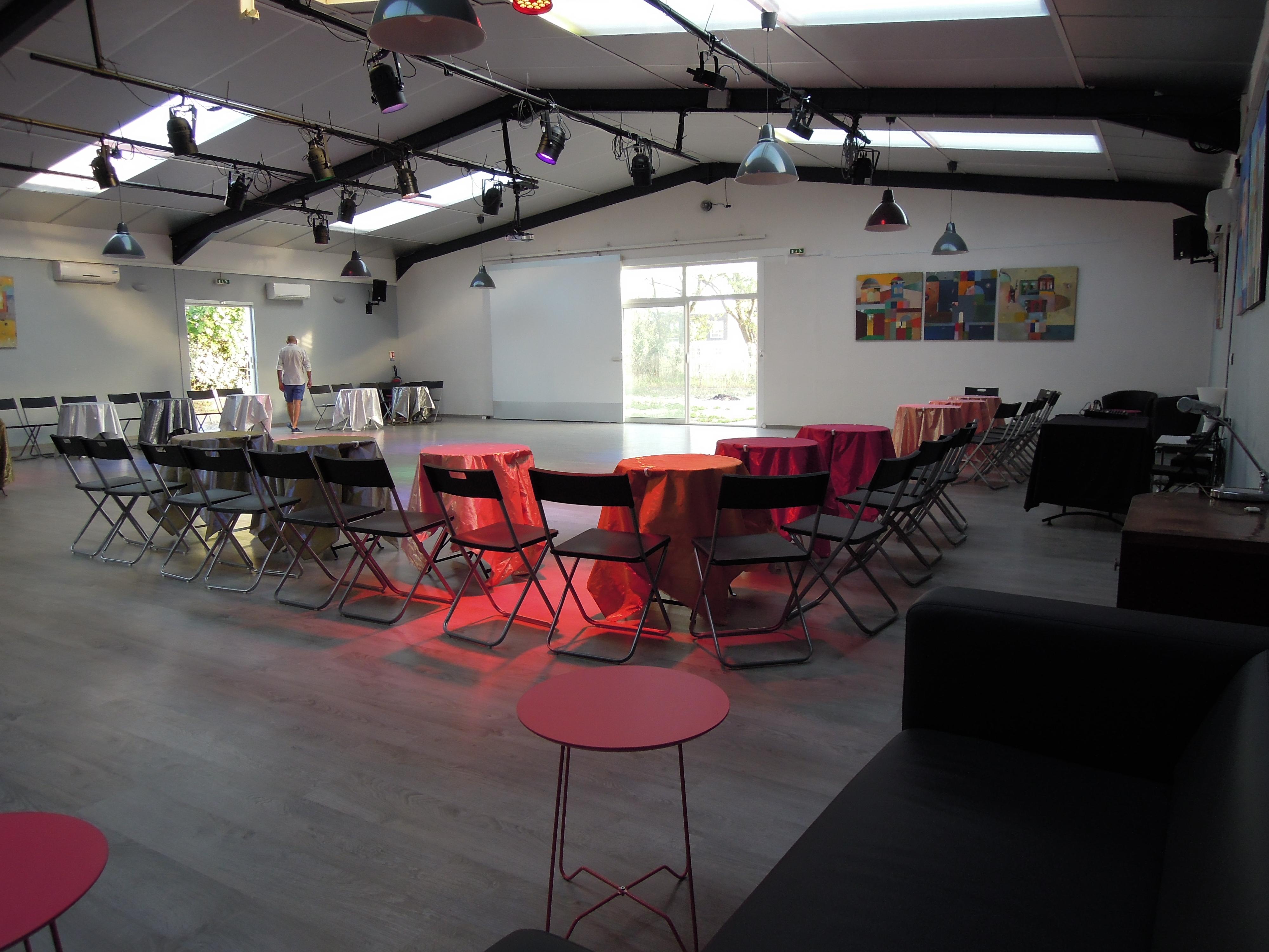 Dscn4422 el sal n de tango rufino luro cambaceres location salle de danse montpellier - Danse de salon montpellier ...