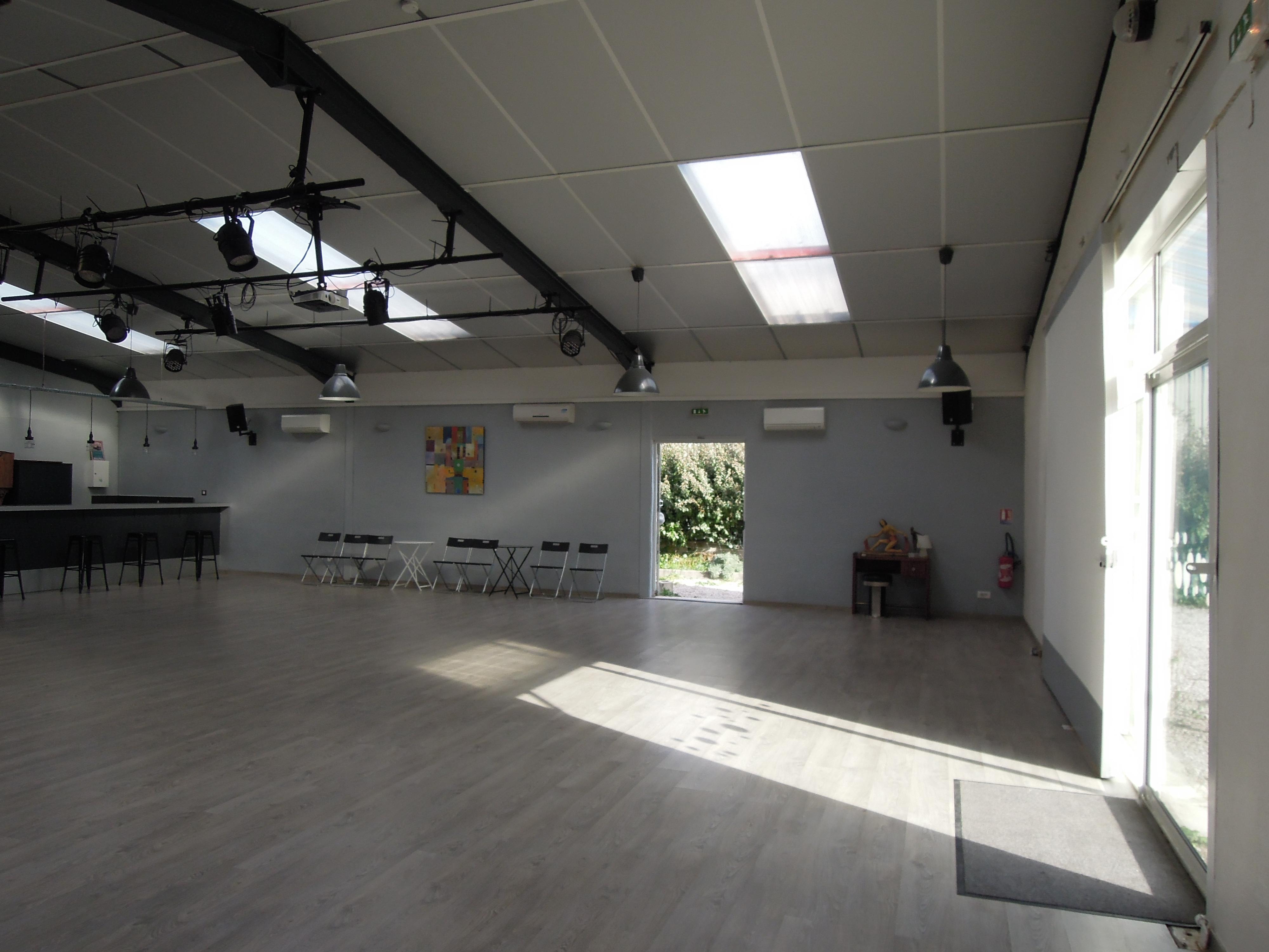 Dscn6005 el sal n de tango rufino luro cambaceres location salle de danse montpellier - Danse de salon montpellier ...