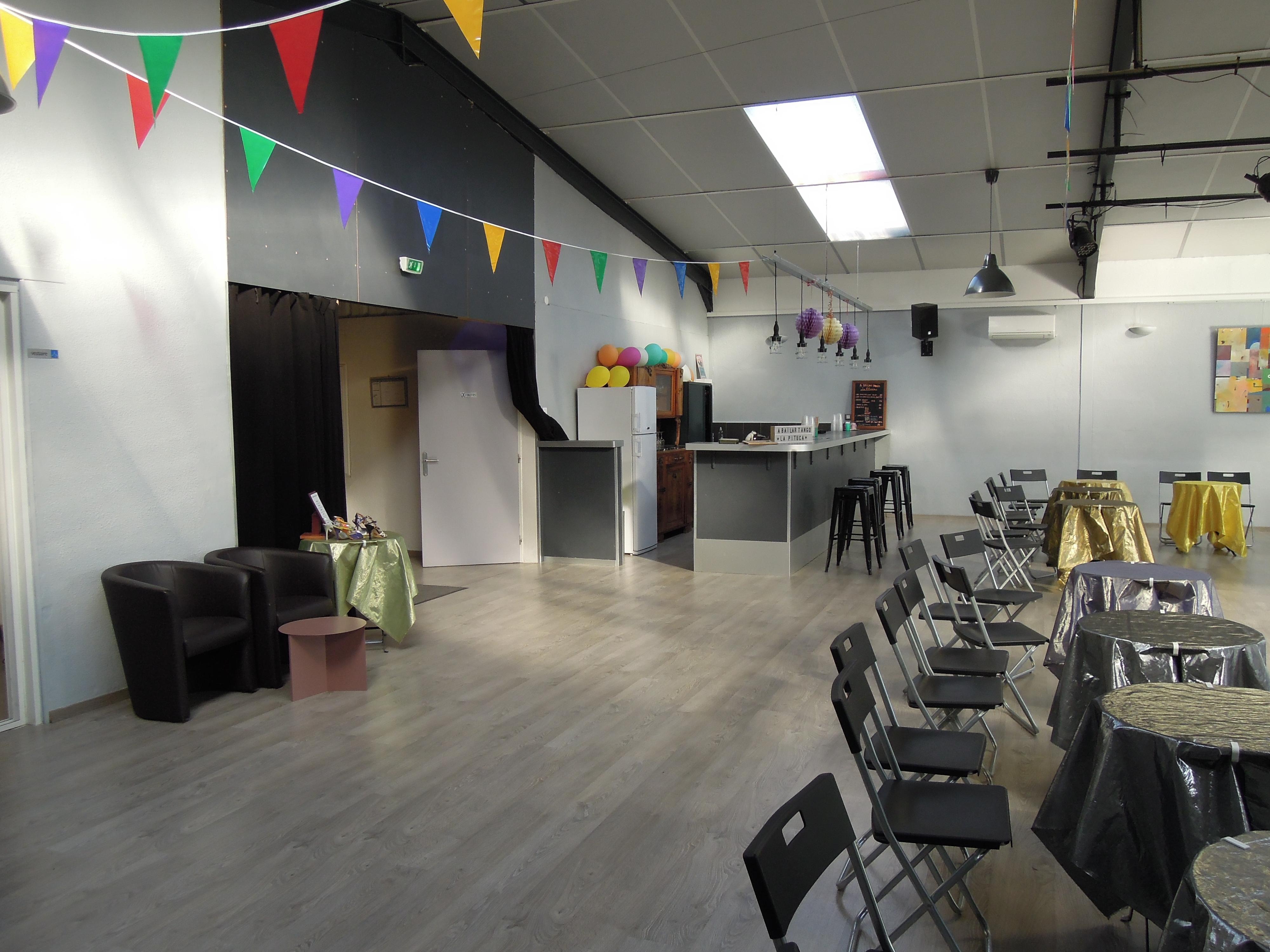 Dscn6416 el sal n de tango salle de danse montpellier for Salon ce montpellier