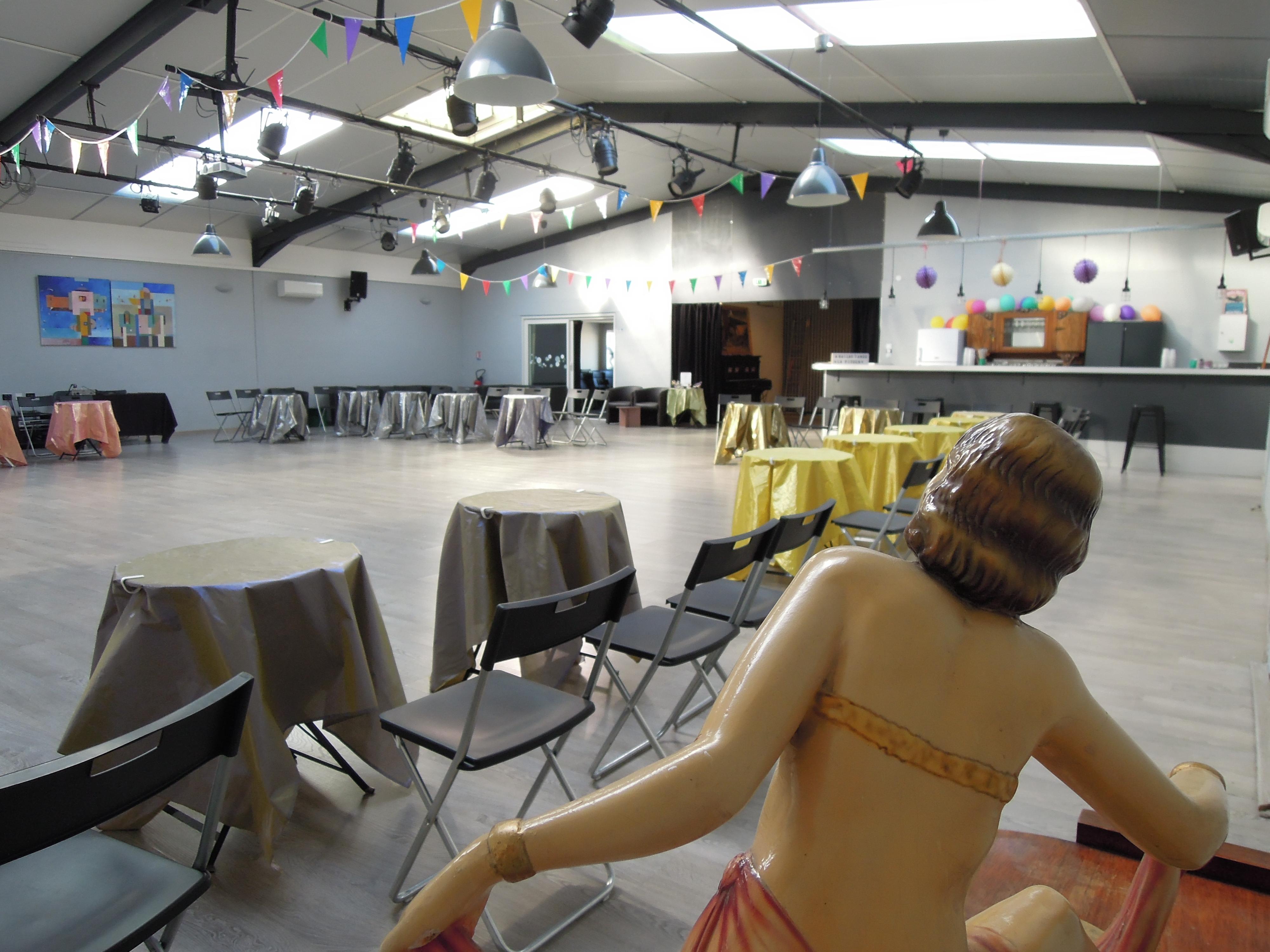 Dscn6559 el sal n de tango rufino luro cambaceres location salle de danse montpellier - Danse de salon montpellier ...